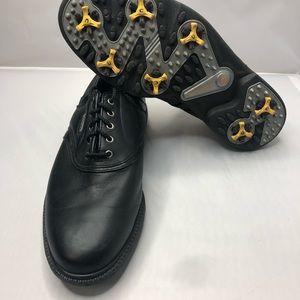 Black foot joy golf shoes
